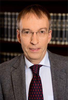 Martin Döll –  Rechtsanwalt und Notar in Wiesbaden